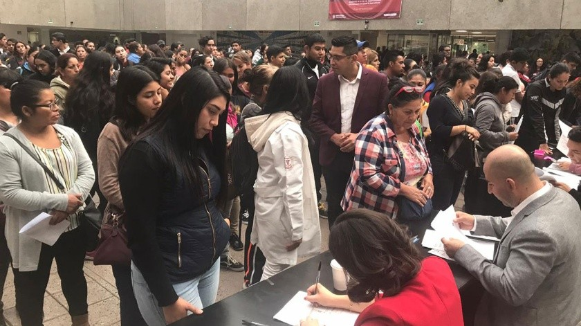 La entrega se realizó en Palacio Municipal.