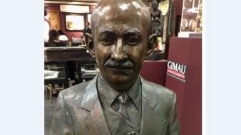 Venden en 150 mil pesos busto de Carlos Salinas de Gortari