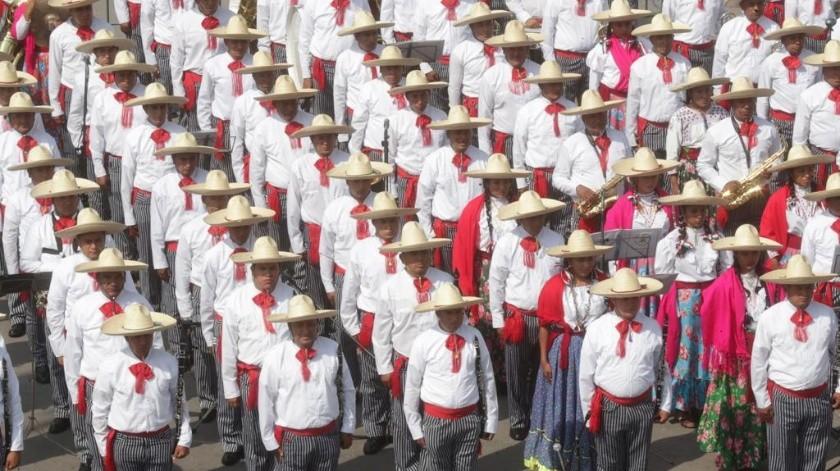 Desfile rompe con tradición; así escenificaron la Revolución Mexicana