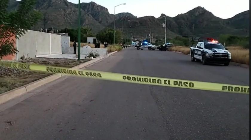 De acuerdo a testigos, la víctima al darles la espalda a los delincuentes, fue baleado en varias ocasiones.