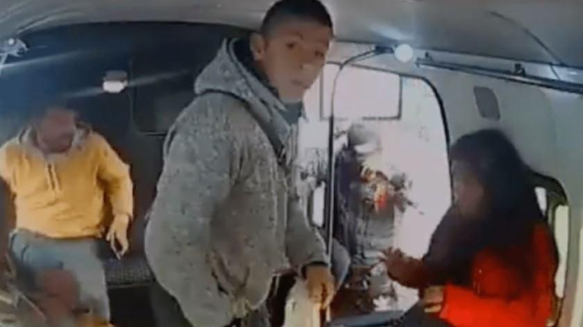 """""""No chille"""": Exige ladrón a niña en pleno robo(Captura de pantalla)"""