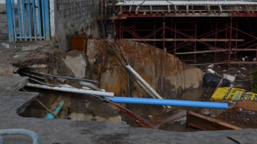 La paraestatal también atiende el deslave ocurrido en una construcción ubicada sobre la avenida Padre Kino,(Cortesía)