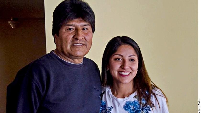 Evaliz Morales (der.), hija del ex Presidente de Bolivia Evo Morales (izq.) renunció al asilo político en México, informó la Canciller boliviana, Karen Longaric.(Agencia Reforma)