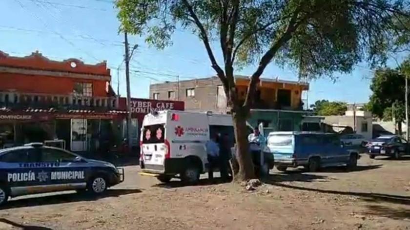 Atropella ambulancia a mujer transeúnte, en Obregón(Mayra Echeverría)