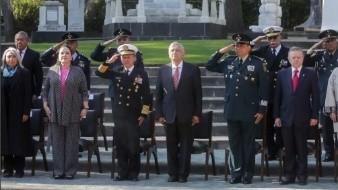 López Obrador agradece lealtad de la Marina y Sedena