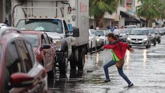 El viernes, el frente frío continuaría su tránsito por el estado de Sonora, generando lluvias dispersas e intermitentes, con vientos fuertes.