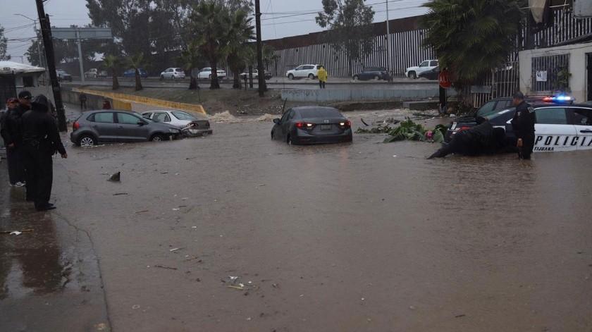 Así se aprecia la inundación en la colonia Castillo.(Sergio Ortiz)