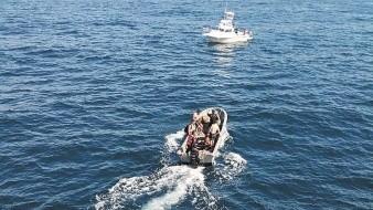 Varias embarcaciones se sumaron a la búsqueda.