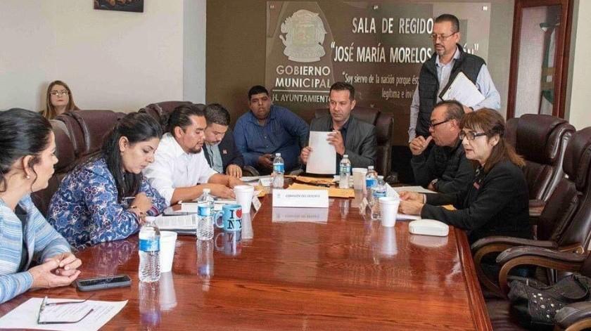 La comisión del deporte que encabeza el regidor Raúl Vera Rodríguez, aprobó a los ciudadanos aspirantes a conformar la junta del Gobierno del Instituto Municipal del Deporte y Recreación de Ensenada.(Cortesía)
