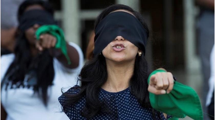 El Instituto Nacional de Derechos Humanos (INDH), un ente público e independiente, ha interpuesto hasta la fecha cuatro querellas por violación contra las fuerzas de seguridad y 75 denuncias por desnudamientos, amenazas y tocamientos.(EFE)