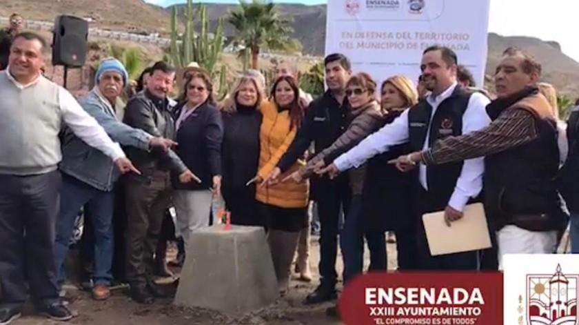 """Autoridades realizaron un acto simbólico denominado """"Defensa del Municipio de Ensenada"""".(Cortesía)"""