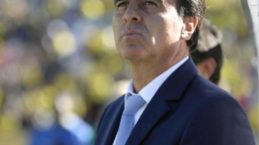El entrenador que acaba de sacar campeón a la Universidad Católica de Chile en un prematuro cierre de torneo a causa del estallido de problemas sociales en el país es una de las opciones del Club Tijuana para tomar el equipo.(Cortesía)