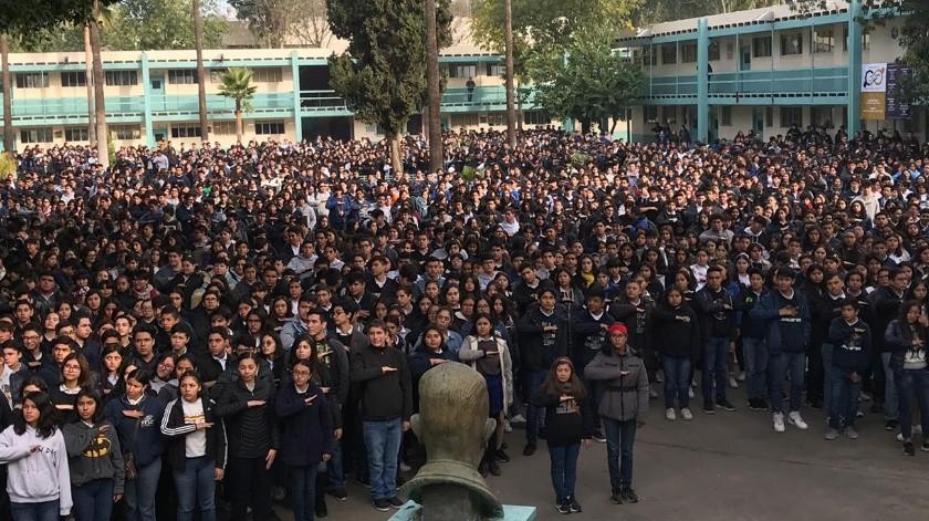 Alumnos y maestros celebraron el aniversario.(Khennia Reyes)