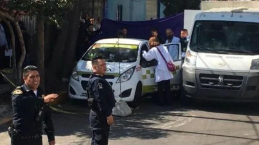 Hallan taxi con dos cadáveres en taxi de Toluca(Captura de pantalla)