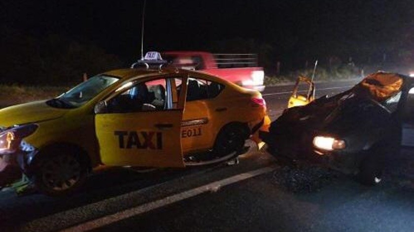 Vaca provoca accidente en Colima; hay 10 lesionados(Especial)