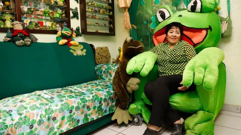 Si eres amante de las ranas, ¿qué mejor que un confortable sillón en forma de rana para relajarte?(Julián Ortega)