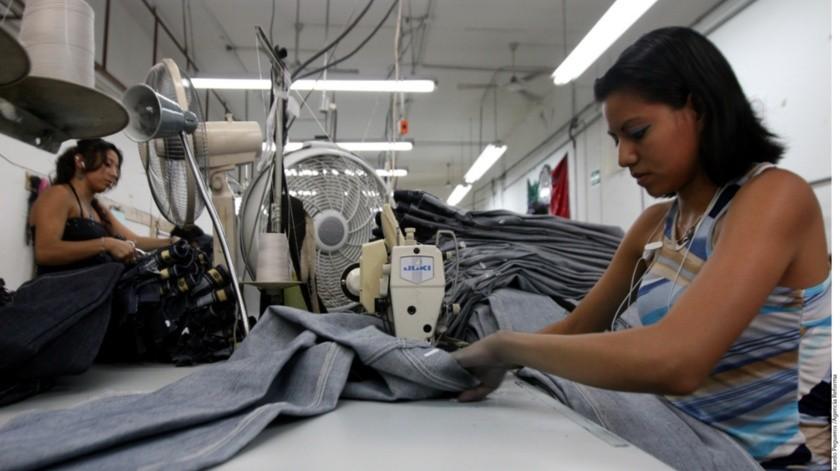 Labor Mexicana nos dice que las empresas subcontratan porque reducen sus gastos generales en sus operaciones diarias, lo que aumenta los márgenes de beneficio.(Reforma)