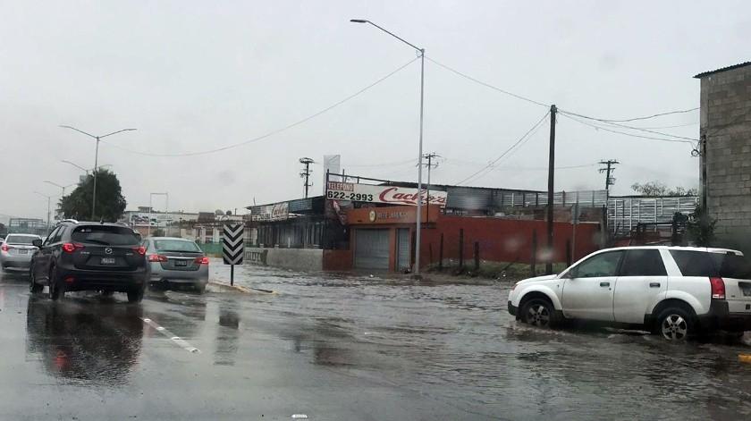 Las lluvias ya han ocasionado inundaciones en algunas zonas de la ciudad.(Redacción)