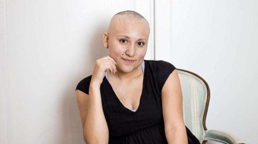 Miroslava García pasó 7 años en tratamiento contra el cáncer, recibió más de 100 quimioterapias, 60 radioterapias y 5 metástasis en diferentes partes del cuerpo.(Cortesía Facebook)