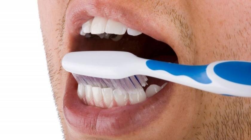 Lavarse los dientes reduce los problemas de salud(Tomada de la Red)