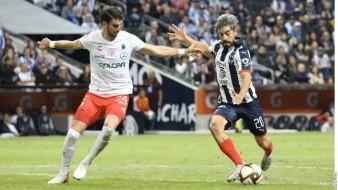 Monterrey vence 2-1 al Necaxa en partido de ida