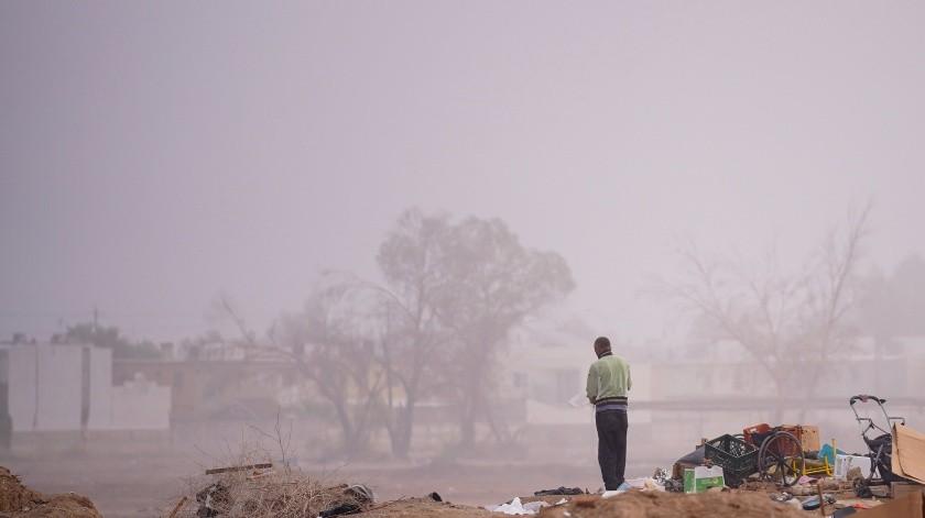 Una mañana con neblina es la que se tiene hoy en Mexicali(VICTOR MEDINA)