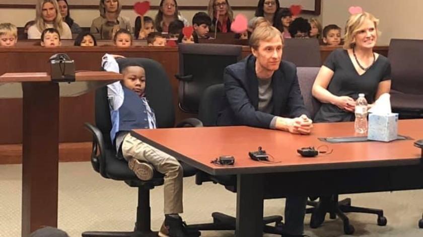 Cada uno de los compañeros de clase de Clark se presentó y le dijo al juez por qué estaban allí. Muchos expresaron su amor por Clark.