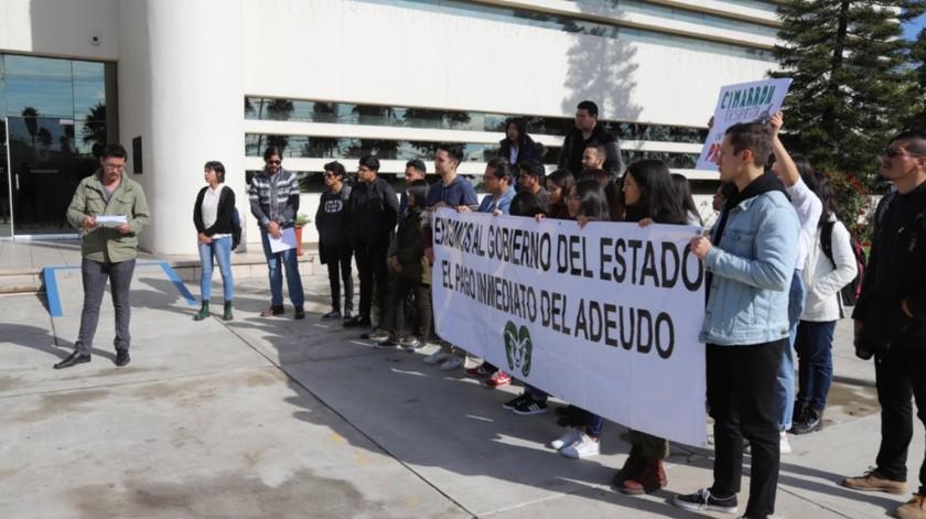 La movilización la realizaron en la Vicerrectoría.(Sergio Ortiz)