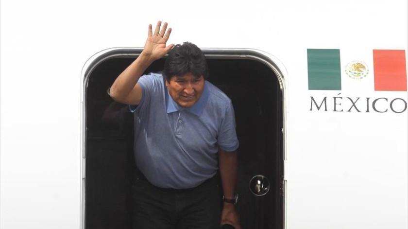 """Este mismo viernes, Morales publicó en su cuenta de Twitter que """"la derecha golpista"""" lo acusa de fraude electoral """"cuando ni el informe de la OEA habla de fraude, sino de irregularidades"""".(EFE)"""