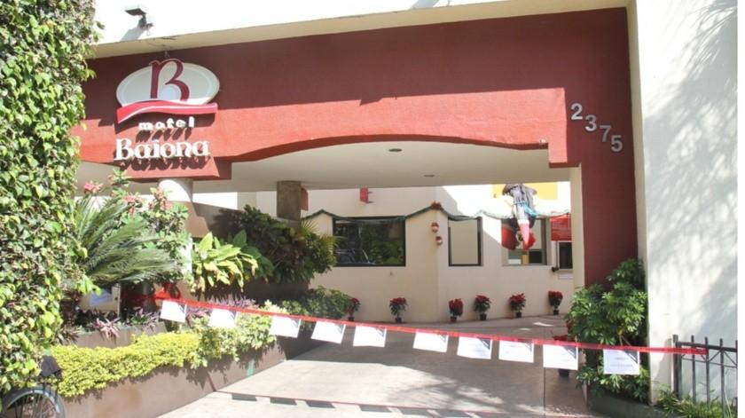 A un año de prisión preventiva fueron enviados dos adultos quienes fueron detenidos en el Motel Baiona, de Guadalajara, por estar con tres adolescentes de entre 13 y 14 años.(Agencia Reforma)