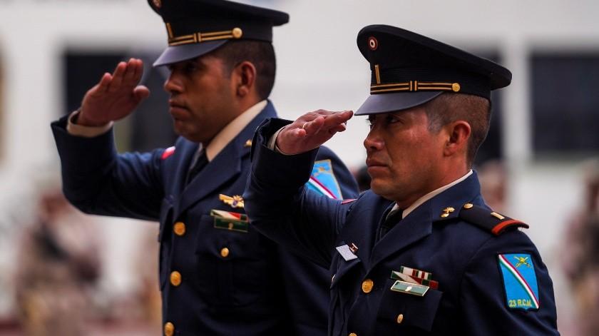 Entregan cartillas militares(VICTOR MEDINA)