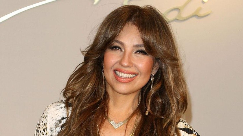 Thalía hace todo lo posible por recuperar su voz.
