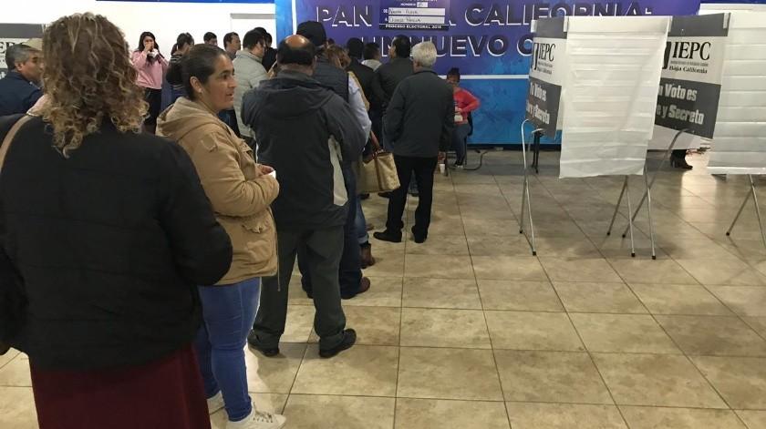 Hoy el PAN realizó una jornada electoral interna para elegir al nuevo dirigente estatal del partido; esta actividad finalizará a las 16:00 horas de hoy.(Khennia Reyes)