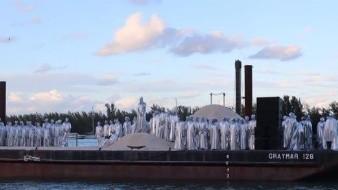Kanye West y el coro de su servicio religioso cerraron este domingo la parte musical de la feria Art Basel en Miami con el estreno de su segunda ópera, titulada