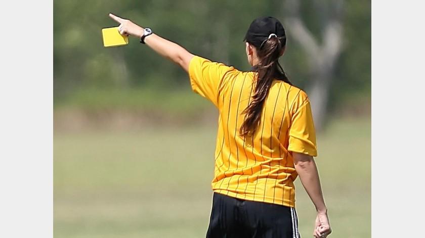 Individuo amenaza con 'violar' a mujer árbitro en España.(Pixabay)
