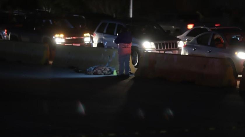 Se reportó cerca de las 19:30 horas un hombre lesionado por disparo de arma de fuego, al lugar llegó la policía quienesacordonaron el lugar y declarando muerto a la víctima.(Sergio Ortíz)
