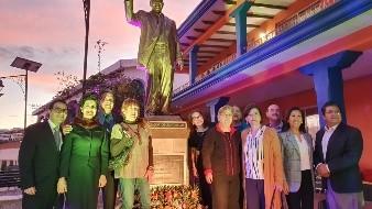Develan estatua en San Carlos de Rafael Caballero