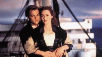 Titanic se estrenó el 1ro de enero de 1998 en México.