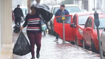 Por otro lado, agregó que prevalecerán las condiciones ventosas para la noche de hoy en la ciudad.