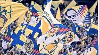 Aficionados del América intentan ingresar con cervezas al estadio Azteca