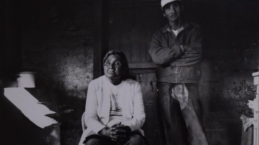 Hipólita Espinoza y Leandro Maytorell de la comunidad kiliwa en una fotografía de Alejandra Platt.(Cortesía)