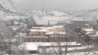 VIDEO: Cae intensa nevada en Cananea; cierran tramo carretero