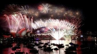Miles de australianos han pedido la cancelación del espectáculo pirotécnico de Fin de Año en Sídney.