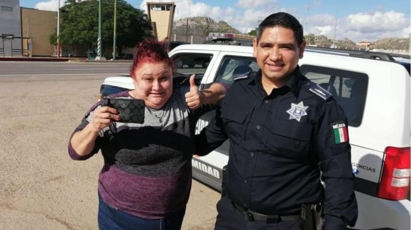 Gracias a hermanos detenidos y a oficial, logra recuperar su monedero(GH)