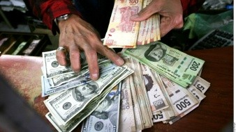En noviembre, México recibió 2 mil 898 millones de dólares, una cifra inferior respecto a los 3 mil 125 millones de dólares de octubre y a los 3 mil 071,9 millones de septiembre.