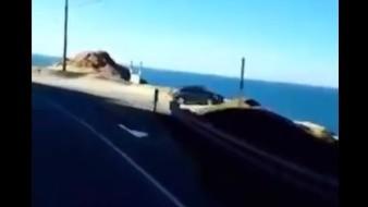 VIDEO: Captan momento en el que un vehículo cae por un acantilado en EU
