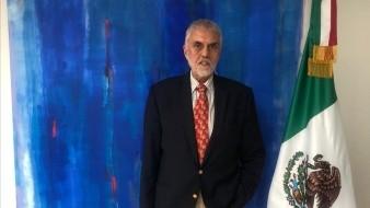 Edmundo Font es poeta, pintor y diplomático mexicano.
