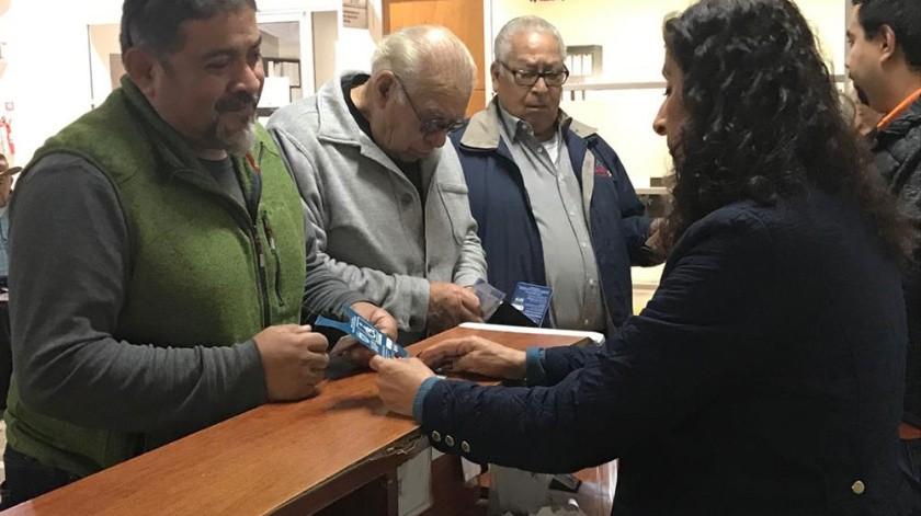 Se puede actualizar el tarjetón en las instalaciones de DIF Municipal o en Palacio Municipal.(Khennia Reyes)