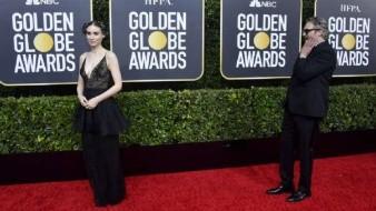 Joaquin Phoenix se quedó perplejo al ver a su novia posar en la Alfombra roja de los Globos de Oro
