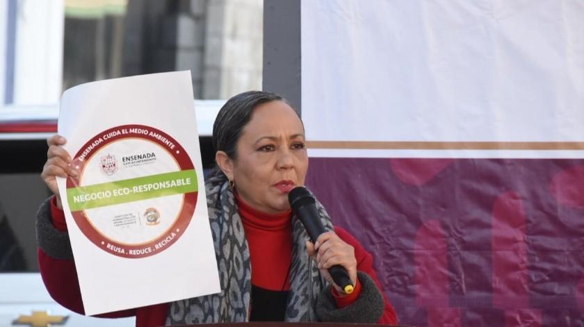 La directora de Administración Urbana, Ecología y Medio Ambiente aseguró que el contar con dicho reconocimiento es sinónimo de que el negocio contribuye al orden y a la limpieza de Ensenada.(Cortesía)